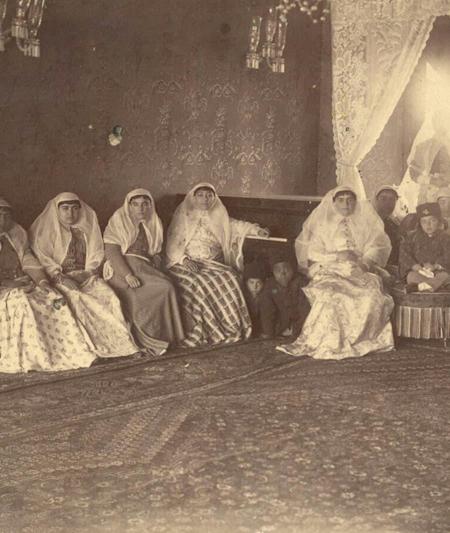 2463557 254 - پوشش زنان تهران در عصر قاجار
