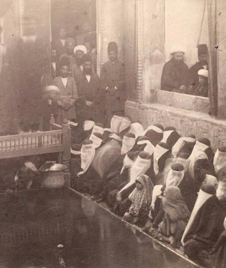 2463561 661 - پوشش زنان تهران در عصر قاجار