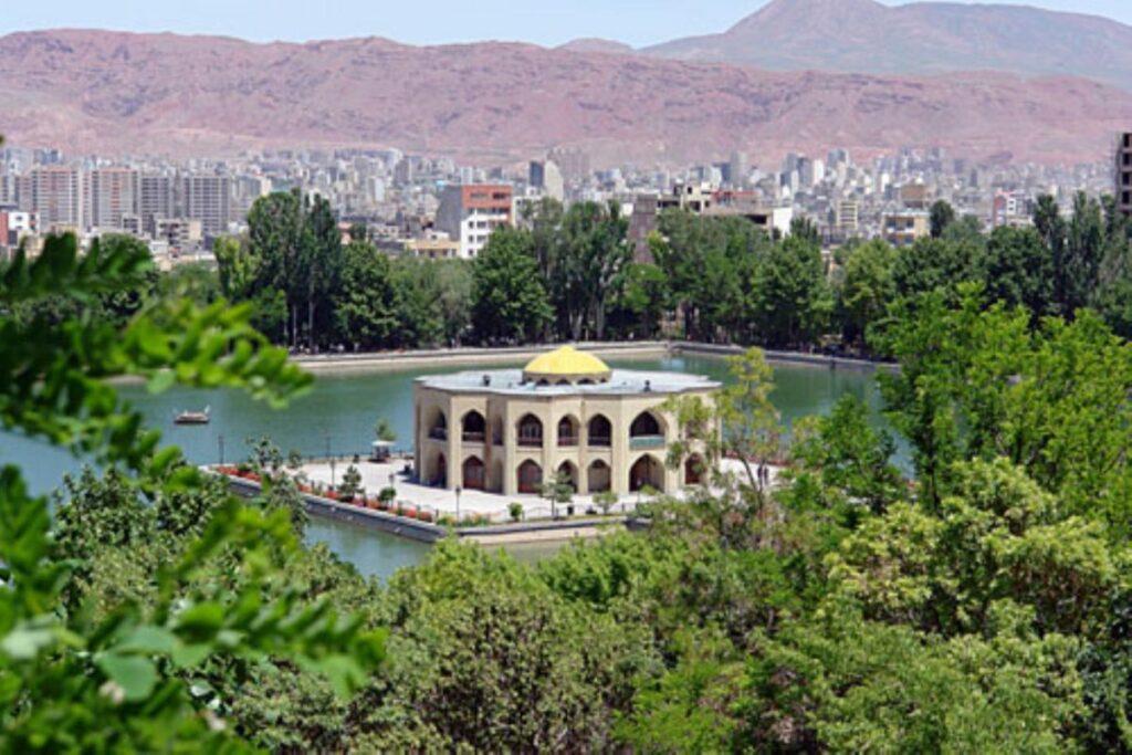 5f93eab233c54 1024x683 - راهنمای صفر تا صد سفر به تبریز