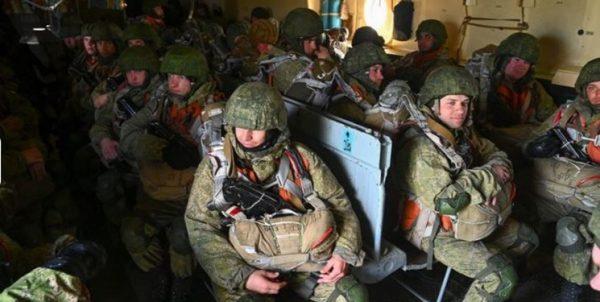 استقبال زلنسکی از بازگشت بخشی از نیروهای روسیه از مرزهای اوکراین