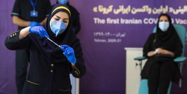 آغاز مرحله سوم کارآزمایی بالینی واکسن «کووایران»/ورود یک میلیون دُز واکسن ایرانی کرونا در ماه جاری