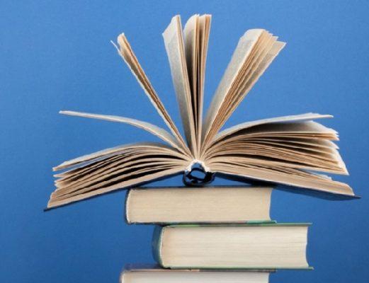 کتاب - پر درآمد ترین نویسنده های جهان