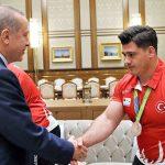 حضور ستارگان کشتی ترکیه در مراسم افطاری رئیس جمهور