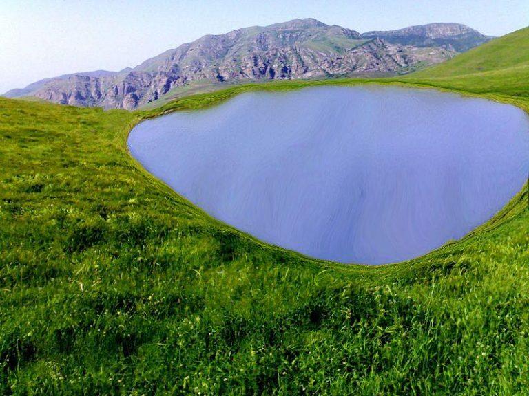 چشمه داشلی بولاغ گرمی