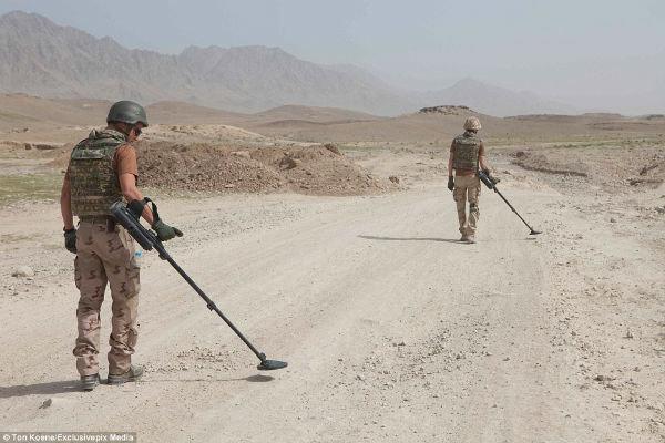 ۱۰ مین روب خارجی در افغانستان کشته شدند