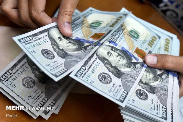قیمت دلار آمریکا ۱۸ خرداد ۱۴۰۰ به ۲۳ هزار و ۵۵۱ تومان رسید