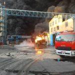 خطر وجود تاسیسات صنعتی و زیرساخت های نفتی در مجاورت بافت شهری