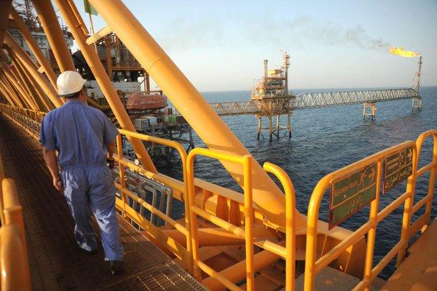ناتوانی زنگنه در تحقق برنامه تولید نفت