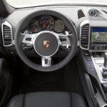 پورشه خودروهای لوکس برقی خود را به دلیل مشکل نرم افزاری فراخواند