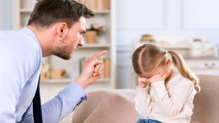 چراهای والدین که خستگی را به تن فرزندان مینشاند!