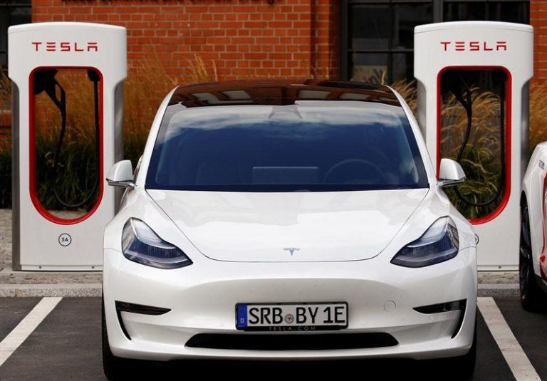 تسلا ایستگاههای شارژ خود را در اختیار سایر خودروهای برقی قرار میدهد