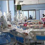 کرونا در استان بوشهر میتازد/ بستری بیماران در راهروهای بیمارستان