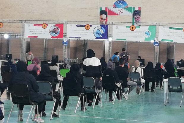 ازدحام در برخی ازمراکز واکسیناسیون شیراز/ سلامت مردم درخطر نیفتد