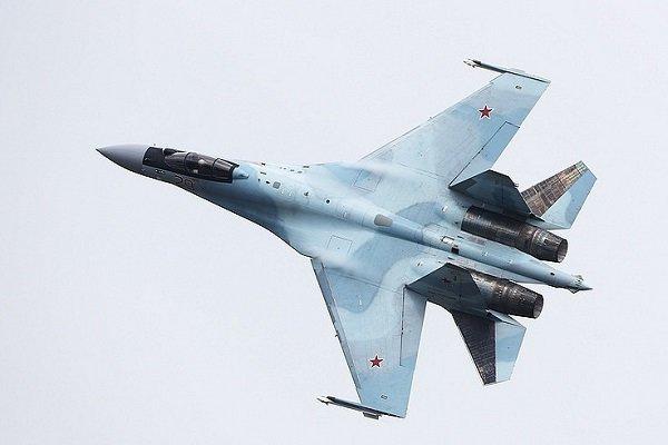 رهگیری بمب افکن بی-۵۲ آمریکا از سوی جنگندههای سوخو-۳۵ روسیه