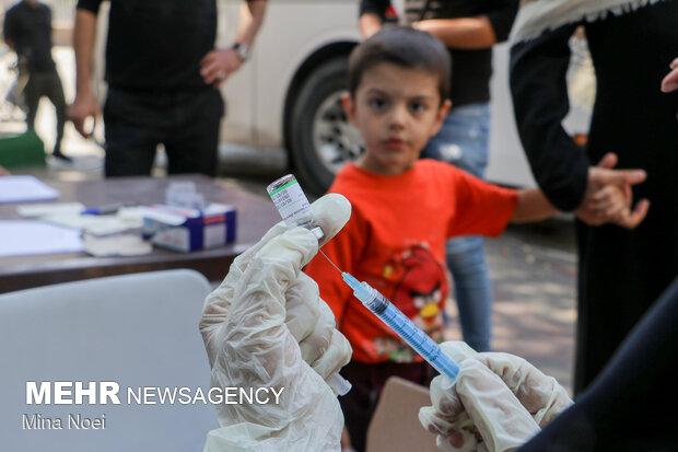 واکسیناسیون جاماندگان اربعین طی مسیر راهپیمایی در پایتخت